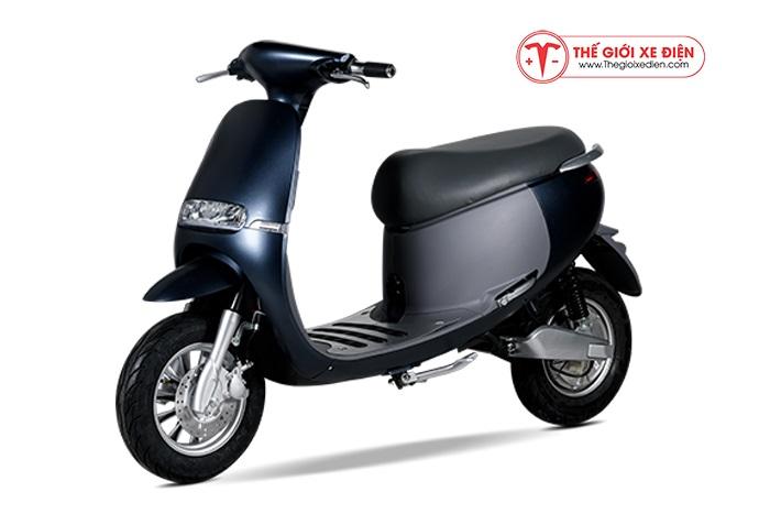 Xe máy điện Gogo Suzika màu xanh cửu long